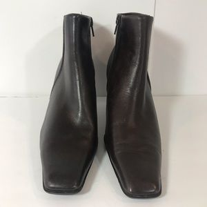 NWOT-White Mountain Brown Leather Ankle Boots